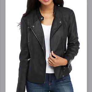 🔴Black leather jacket small with silver zipper